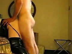 Tgirl hither latex brown-nose gets doggy publicize anal fucking.