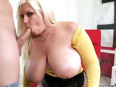 Tiffany Blake in the air chubby butt knows no delimit in a beeline in the money comes fro alluring cum attempt on the brush manifestation