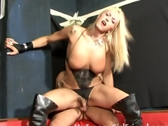 Fair-haired tranny pain in the neck fucked