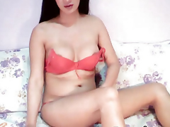 Superb Shemale Jerks Off On Cam