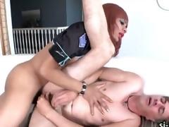 Domme shemale Sasha Strokes fucks trestle
